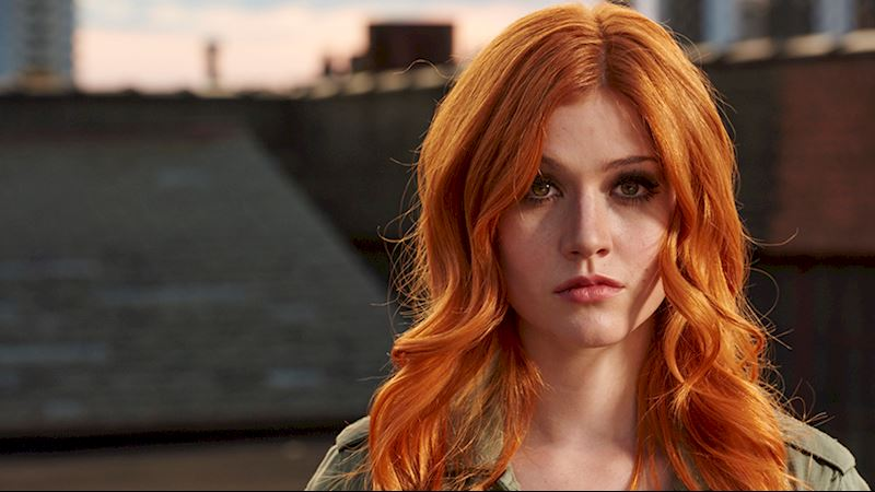 Shadowhunters - [VIDEO] Getting Up Close And Personal: Clary Fray - Thumb