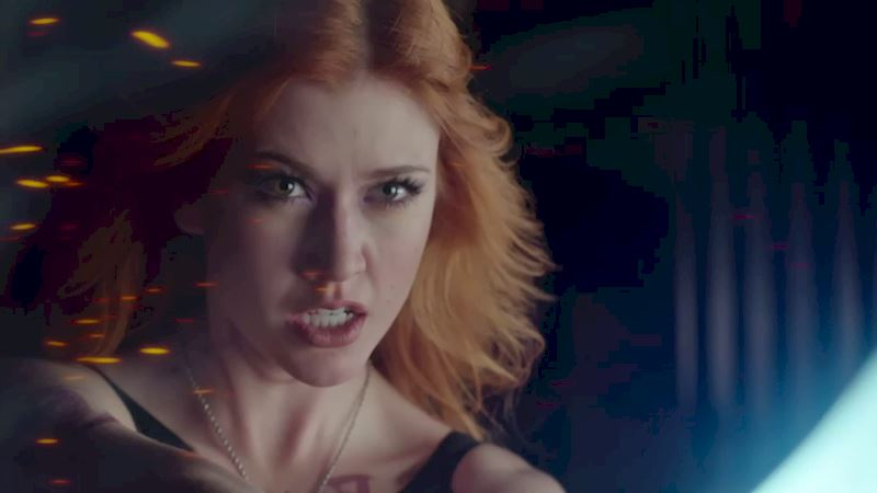 Shadowhunters - 14 Times Clary Did Something Crazy And Pulled Off The Impossible! - Thumb