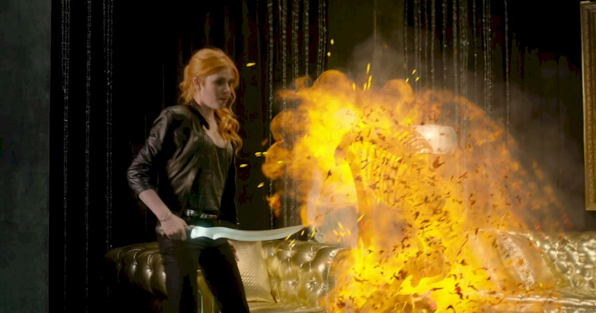 Shadowhunters - 14 Times Clary Did Something Crazy And Pulled Off The Impossible! - 1006