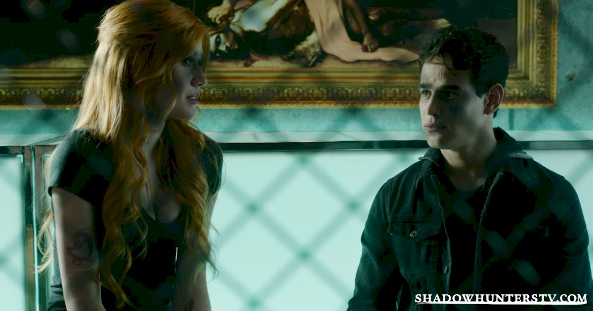 Shadowhunters - 14 Times Clary Did Something Crazy And Pulled Off The Impossible! - 1020