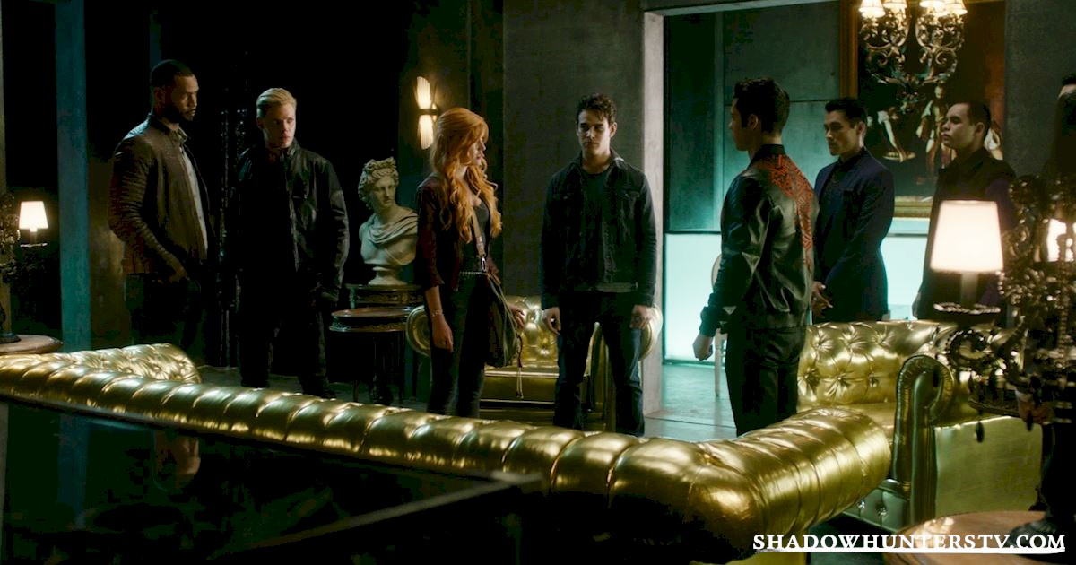 Shadowhunters - 14 Times Clary Did Something Crazy And Pulled Off The Impossible! - 1021