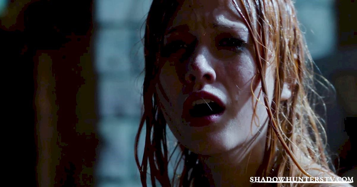 Shadowhunters - 14 Times Clary Did Something Crazy And Pulled Off The Impossible! - 1003