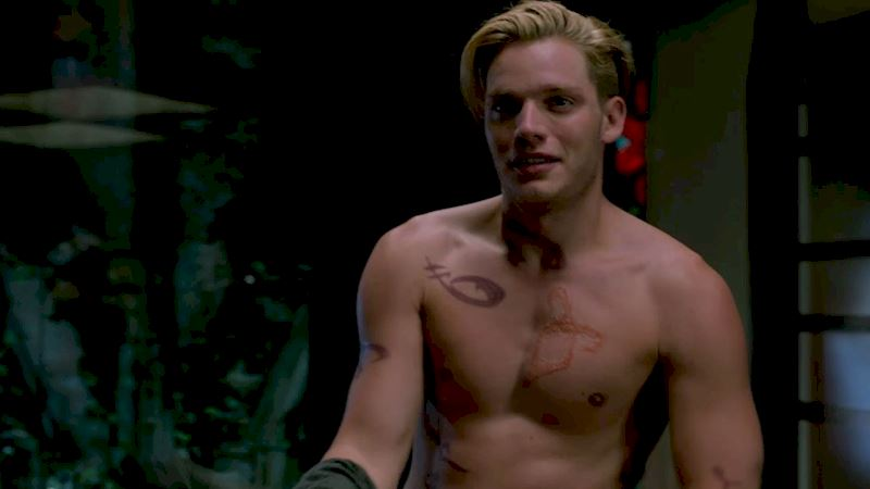 Shadowhunters - 14 Times Jace Was Too Much Of A Bad Boy To Care - Thumb