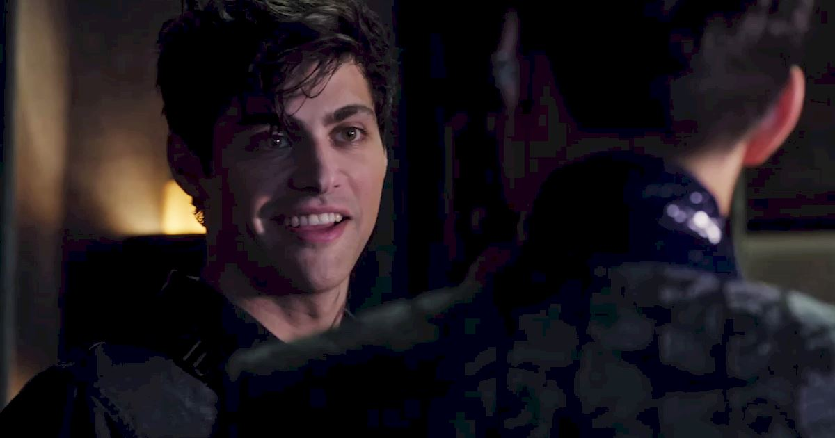 Shadowhunters - 36 Reasons To Love Alec Lightwood Even More Than You Already Do! - 1012