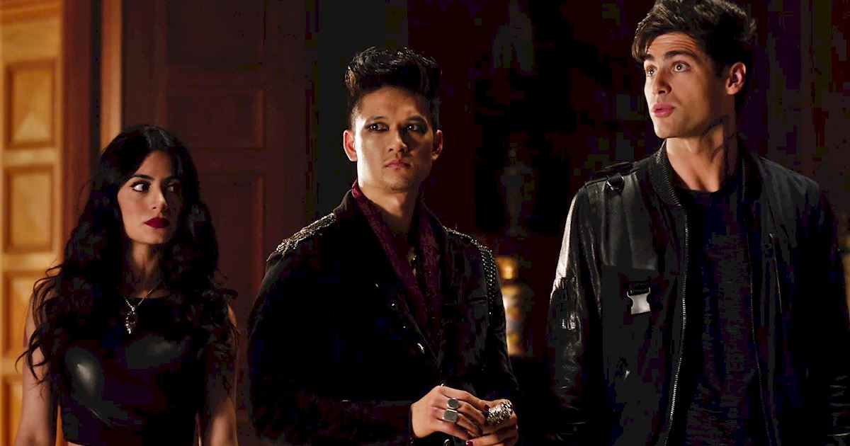 Shadowhunters - 36 Reasons To Love Alec Lightwood Even More Than You Already Do! - 1035
