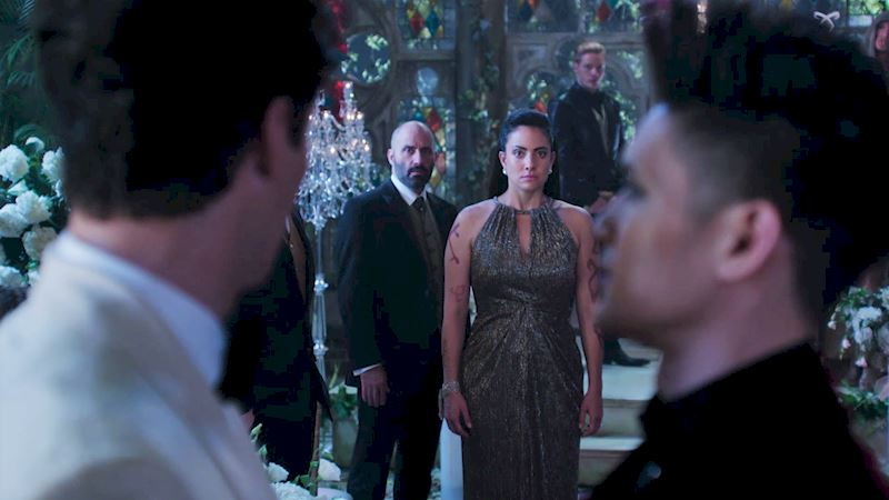 Shadowhunters - 14 Reasons Why Your Parents Should Be Thrilled To Have Magnus As Their Son-In-Law! - Up Next Thumb