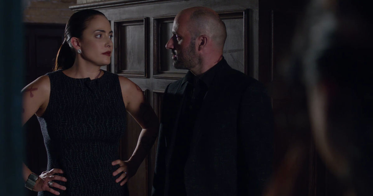 Shadowhunters - 12 Times We Were Completely Terrified Of Maryse Lightwood In Shadowhunters! - 1006