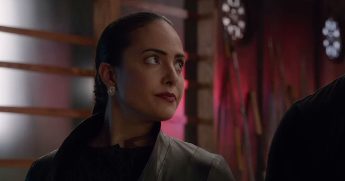 Shadowhunters - 12 Times We Were Completely Terrified Of Maryse Lightwood In Shadowhunters! - 1004
