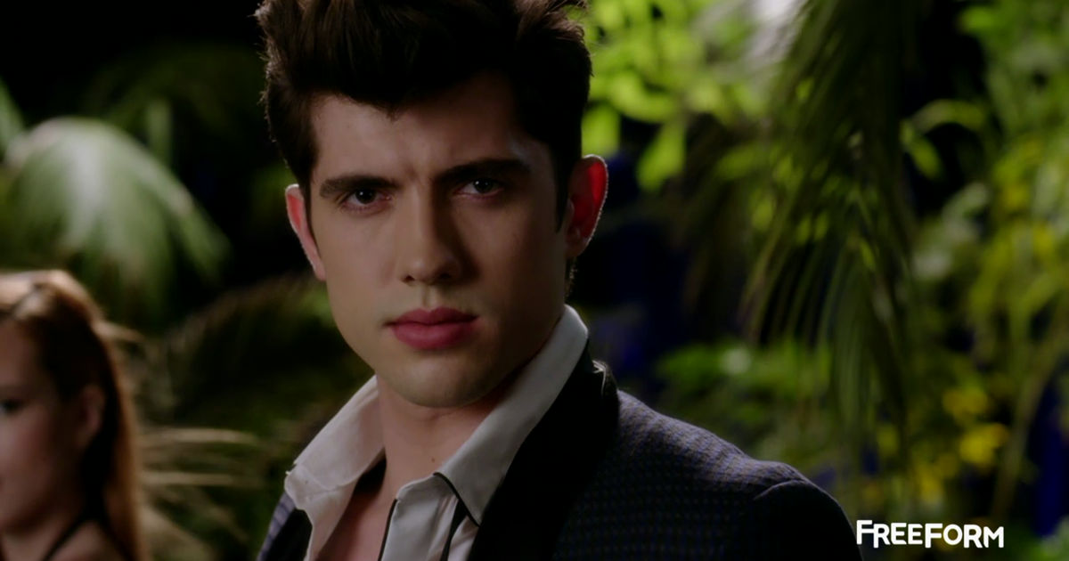 Shadowhunters - You Will LOVE Freeform's New Series Famous In Love! - 1005