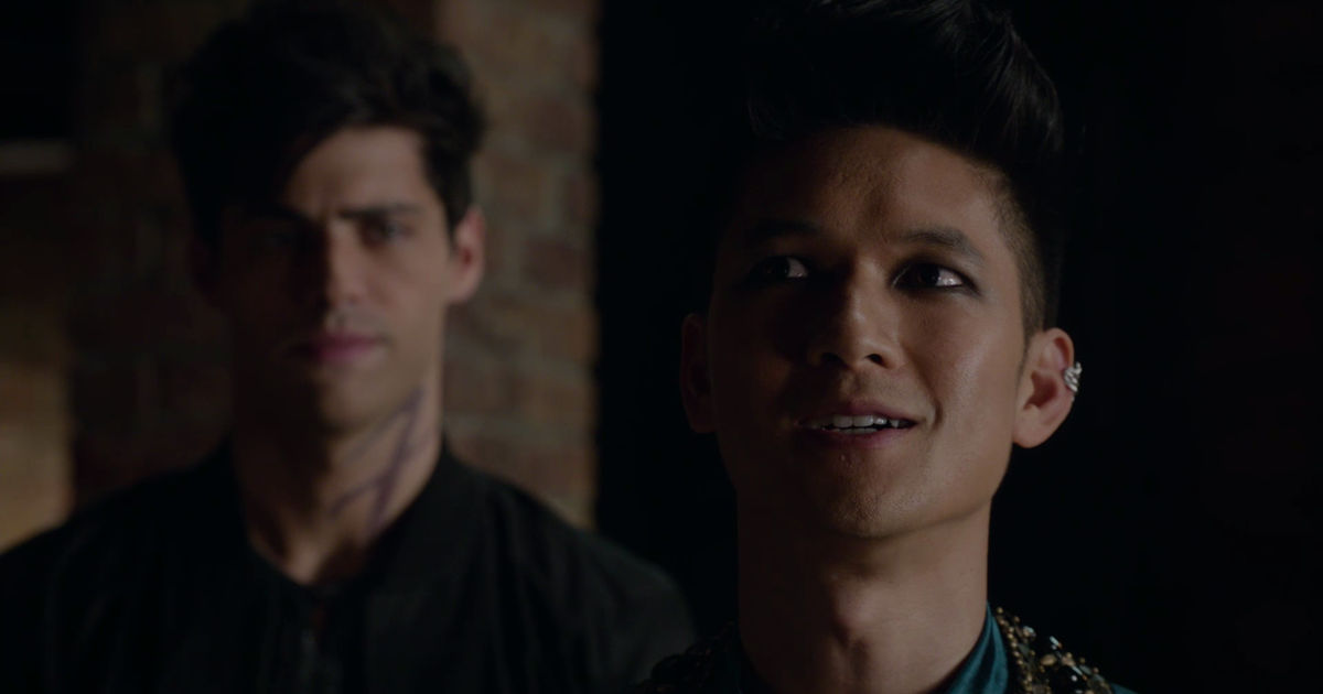 Shadowhunters - 20 Ways We Are All Magnus When We Have A Crush On Someone! - 1015