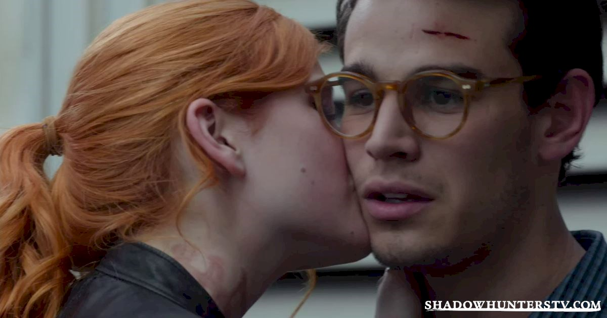 Shadowhunters - 31 Big Things We Learned From Shadowhunters Episode 3 - 1040