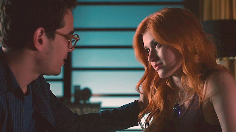 Shadowhunters - Has Clary Unlocked Her Memories In This Exclusive Episode 4 Sneak Peek? Check Out What Happens Next! - Thumb