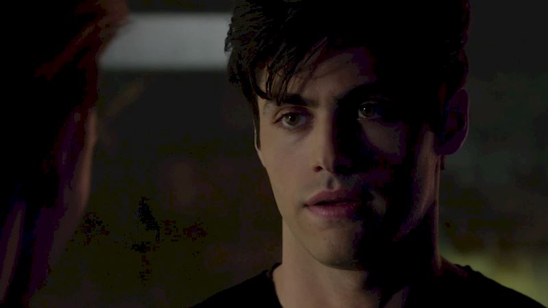 Shadowhunters - [SNEAK PEEK] Episode 5: Alec Gets Parabatai-Zoned And It's Devastating! - Thumb
