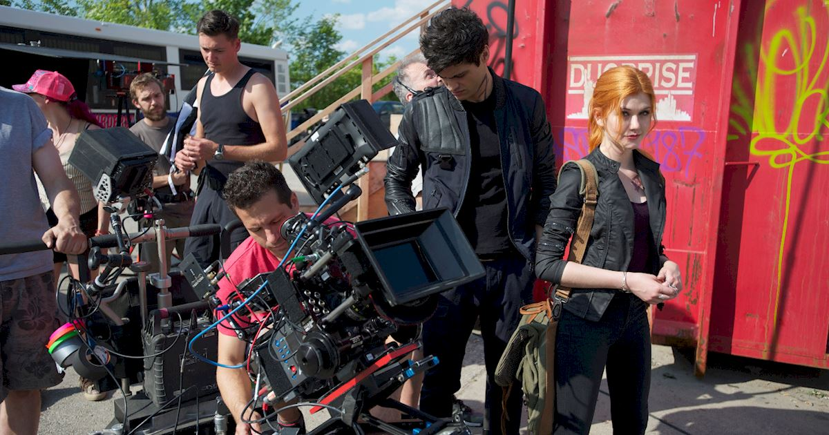Shadowhunters - [PHOTOS] Incredible Set Photos From Episode Five Of Shadowhunters  - 1005