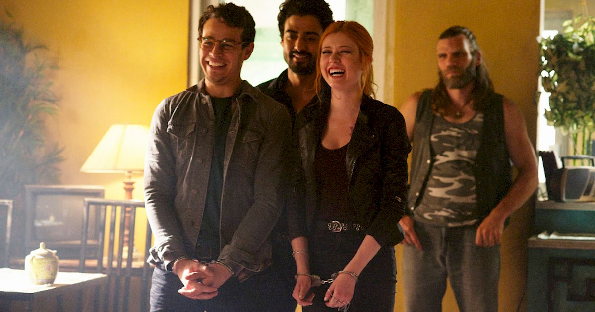 Shadowhunters - [PHOTOS] Incredible Set Photos From Episode Five Of Shadowhunters  - 1012