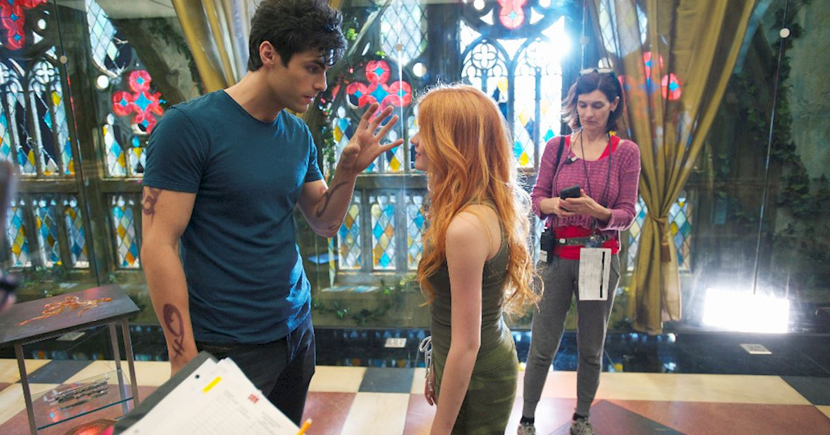 Shadowhunters - [PHOTOS] Incredible Set Photos From Episode Five Of Shadowhunters  - 1007