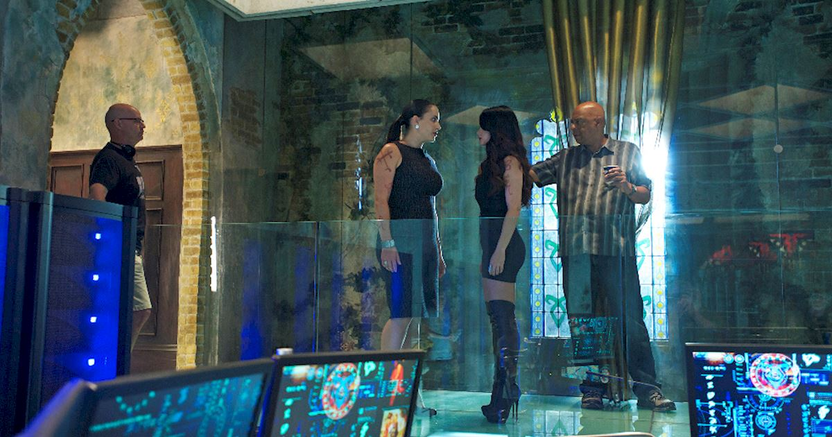 Shadowhunters - [PHOTOS] Episode 106: See How The Shadow World Was Brought To Life - 1012