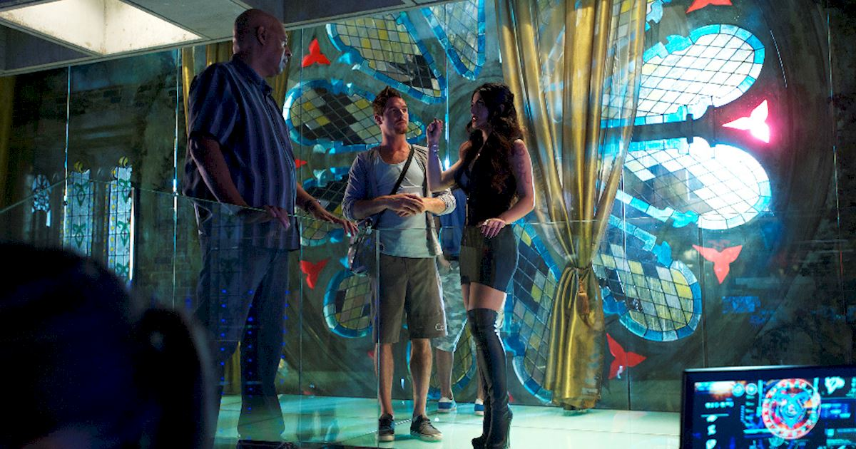 Shadowhunters - [PHOTOS] Episode 106: See How The Shadow World Was Brought To Life - 1014