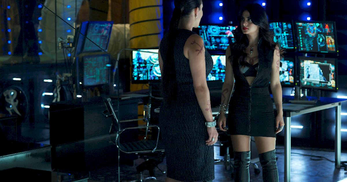 Shadowhunters - [PHOTOS] Episode 106: See How The Shadow World Was Brought To Life - 1013