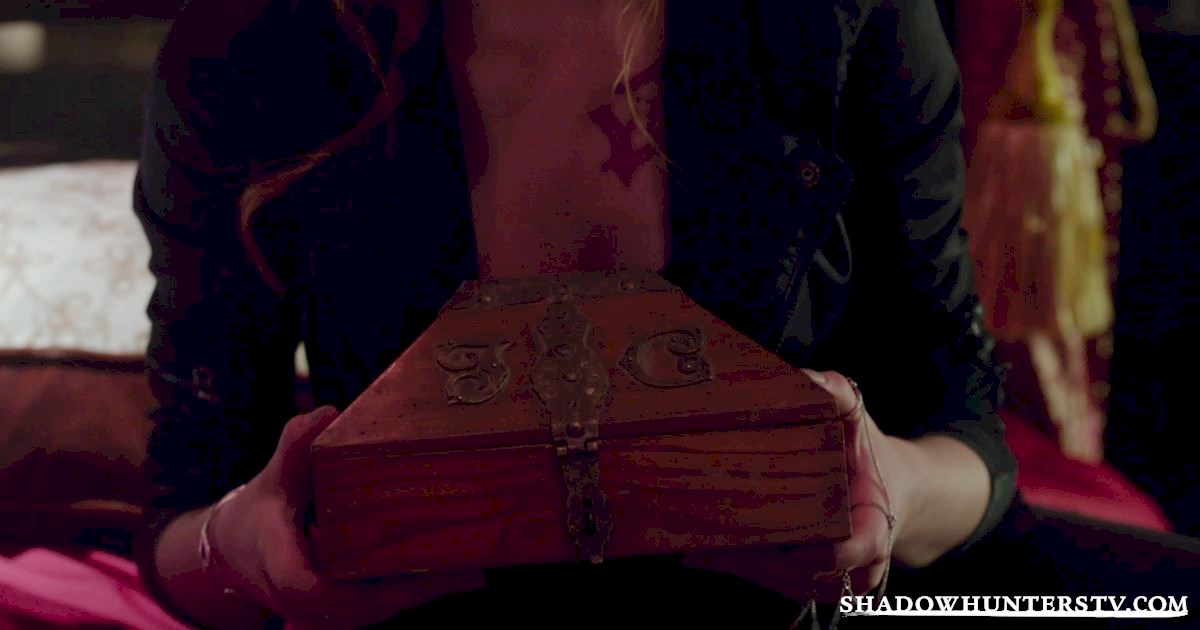 Shadowhunters - 30 Mind Blowing Things We Learned From Episode Six - 1045