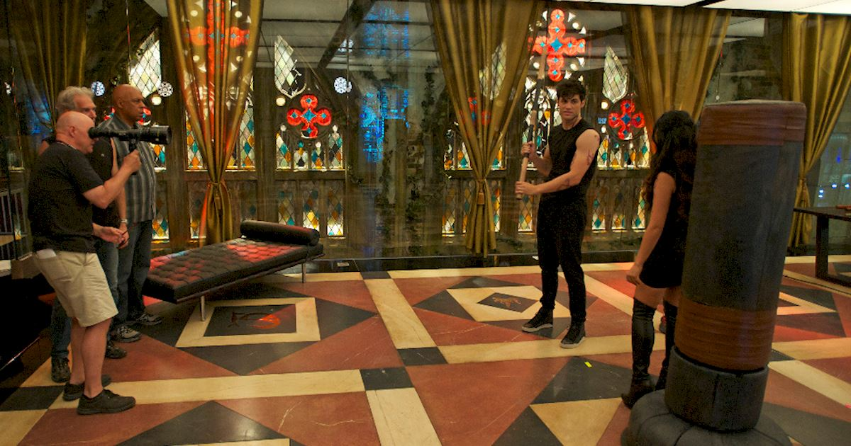 Shadowhunters - [PHOTOS] Episode 106: See How The Shadow World Was Brought To Life - 1016