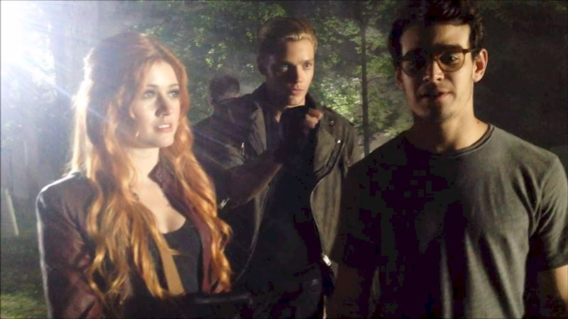 Shadowhunters - [EXCLUSIVE BTS VIDEO] Bug Spray: A Shadowhunters' Best Friend - Thumb