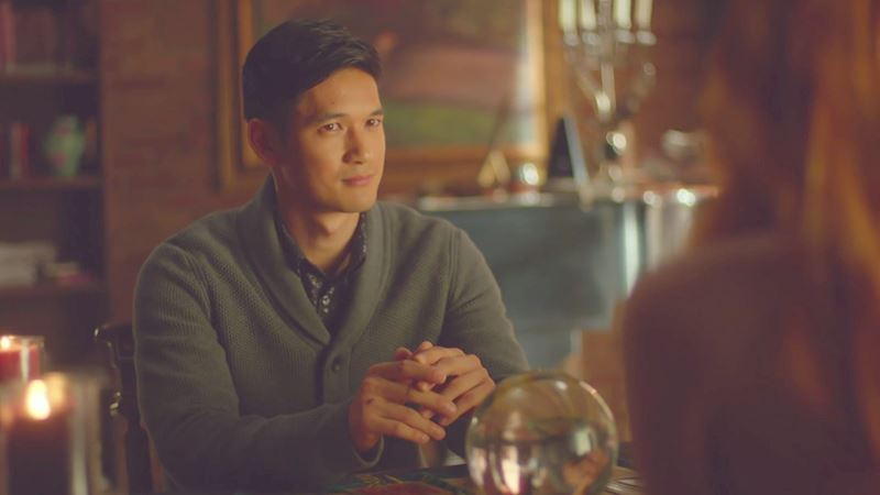 Shadowhunters - Episode 10 Sneak Peek: Magnus Tells Clary's Fortune, But Not All Is As It Seems... - Thumb