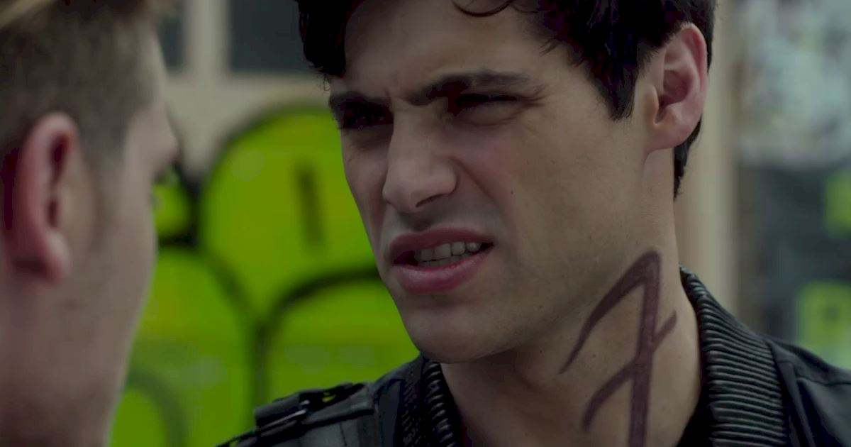 Shadowhunters - The Best Dirty Looks Of Season One (So Far) - 1025