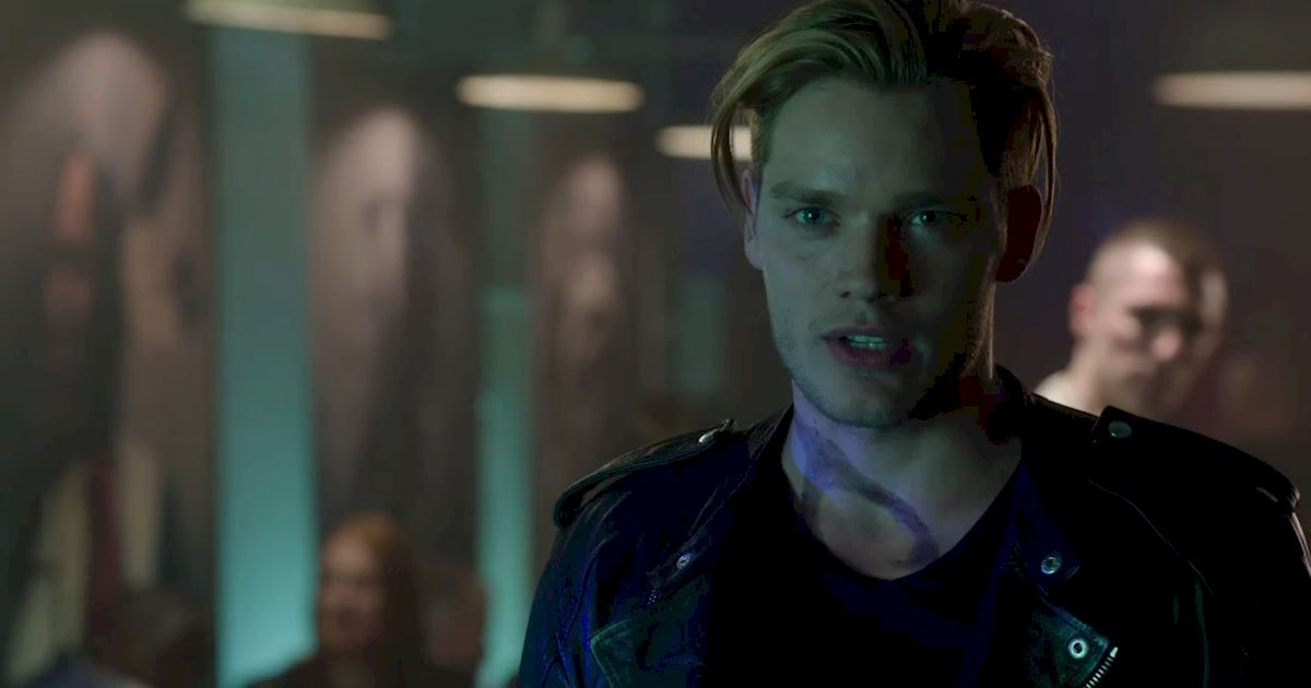 Shadowhunters - The Best Dirty Looks Of Season One (So Far) - 1013
