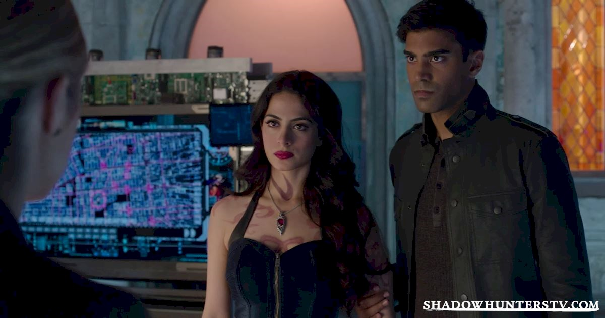 Shadowhunters - 28 Episode Ten Things We Learned That Turned Our World Upside Down - 1017