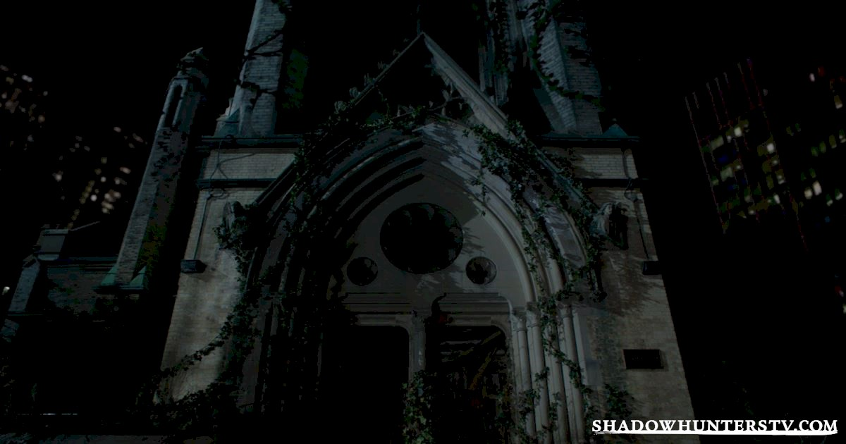 Shadowhunters - 28 Episode Ten Things We Learned That Turned Our World Upside Down - 1030