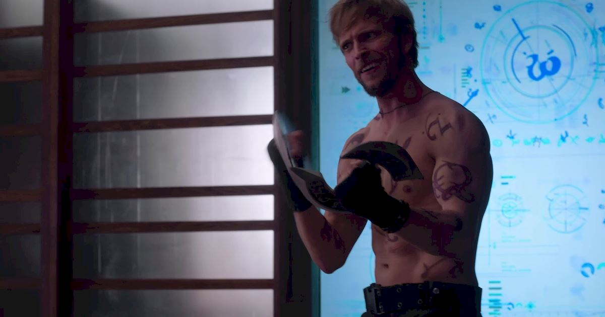 Shadowhunters - The Best Dirty Looks Of Season One (So Far) - 1006