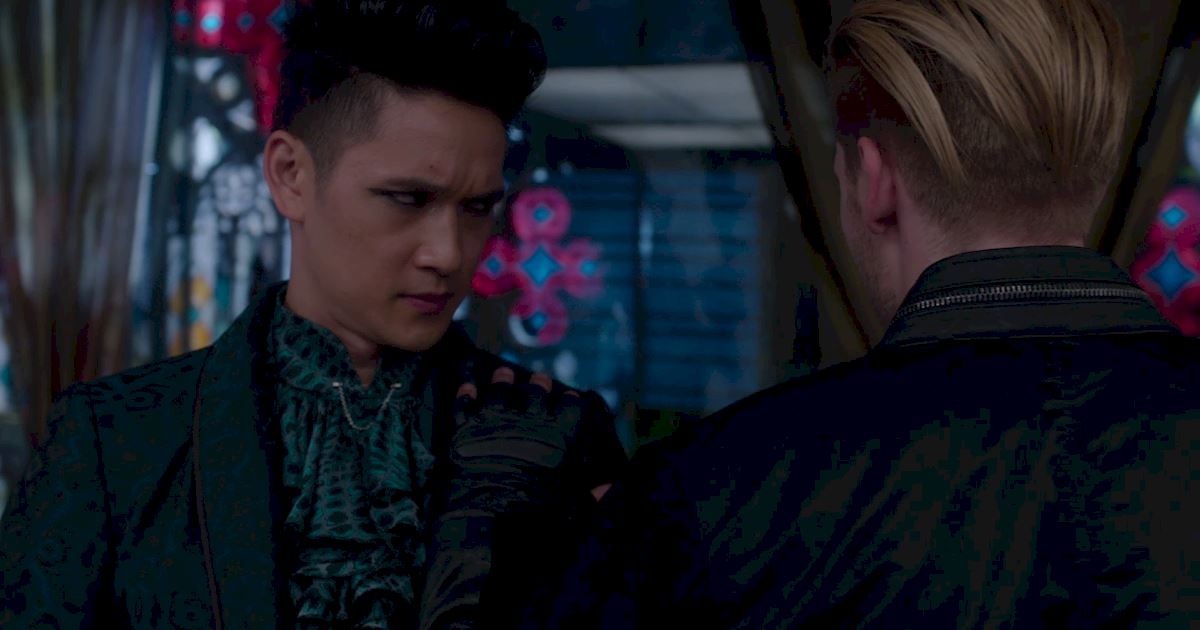 Shadowhunters - The Best Dirty Looks Of Season One (So Far) - 1052