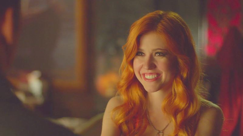 Shadowhunters - 19 Reasons Why Clary Should Stay In The Parallel Universe! - Thumb