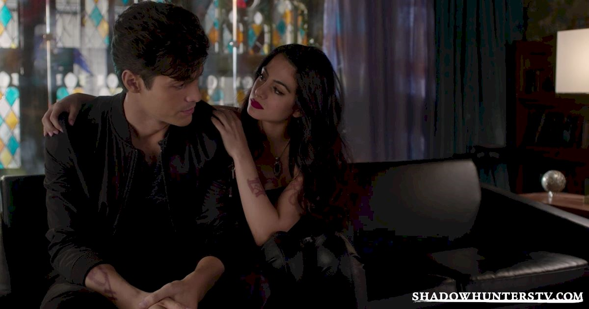Shadowhunters - 28 Episode Ten Things We Learned That Turned Our World Upside Down - 1058