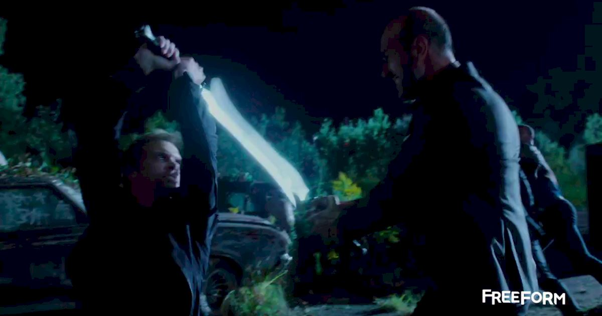Shadowhunters - 9 Heart-Stopping Moments From The Episode 11 Sneak Peek - 1006