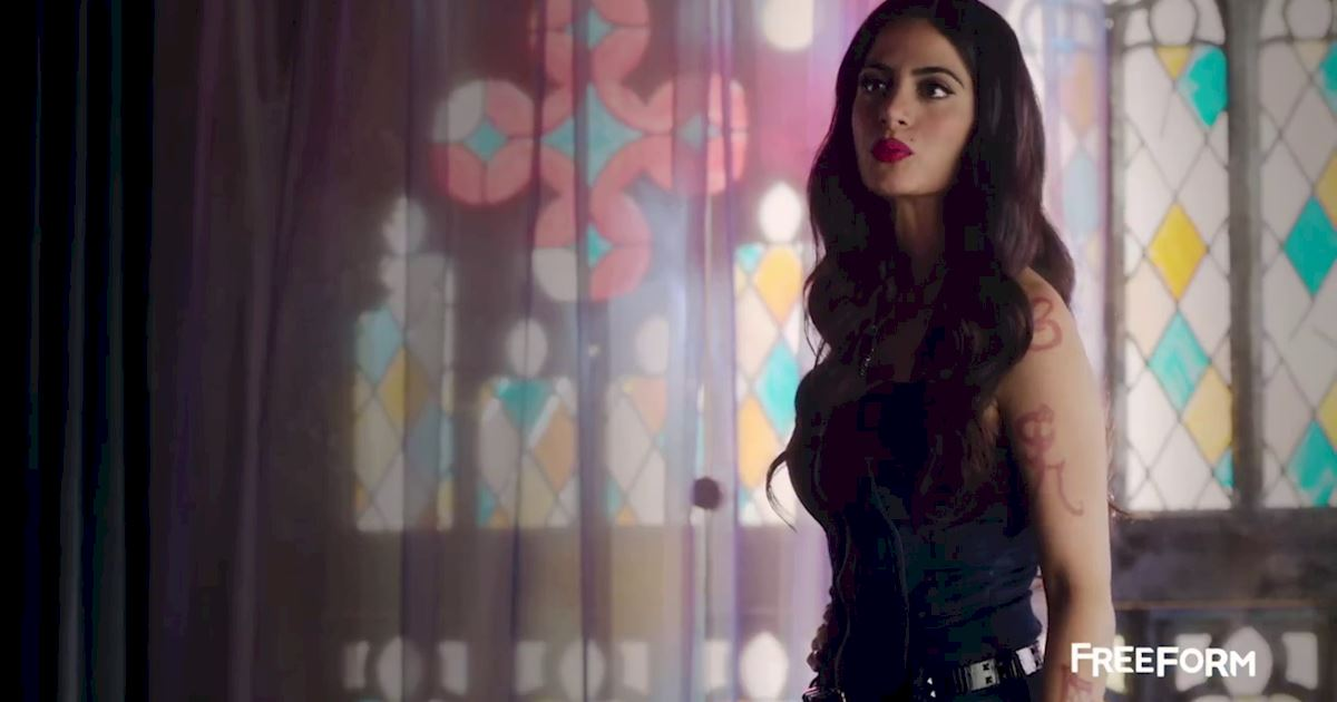 Shadowhunters - 9 Heart-Stopping Moments From The Episode 11 Sneak Peek - 1007