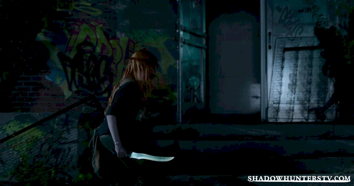 Shadowhunters - Episode 11 Sneak Peek: Our Shadowhunters Are Hot On Valentine's Heels! - 1009