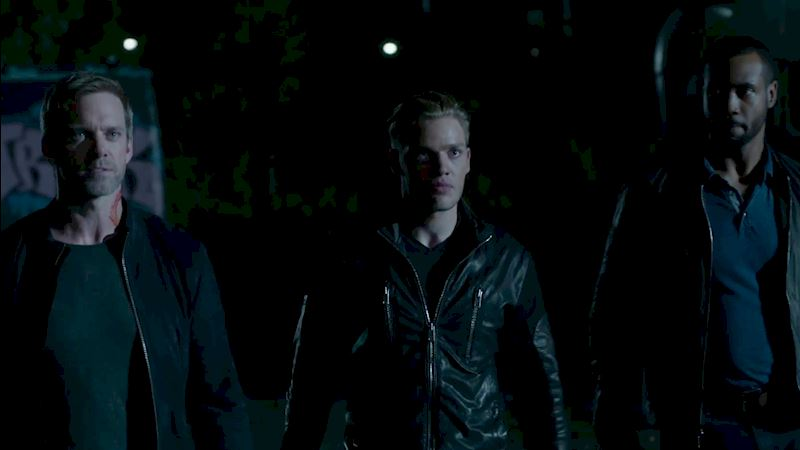Shadowhunters - Episode 11 Sneak Peek: Our Shadowhunters Are Hot On Valentine's Heels! - Thumb