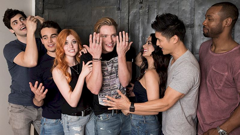 Shadowhunters - 11 Reasons You Cannot Miss the Shadowhunters Premiere! - Thumb