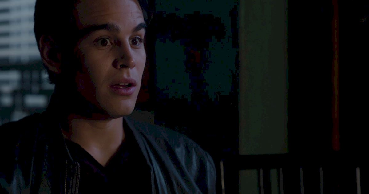 Shadowhunters - Blood Calls to Blood: The Official Episode 11 Recap! - 1018