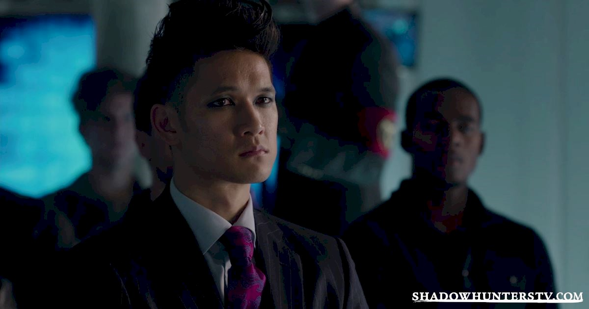 Shadowhunters - 13 Reasons You Want Magnus Bane As Your Lawyer! - 1003