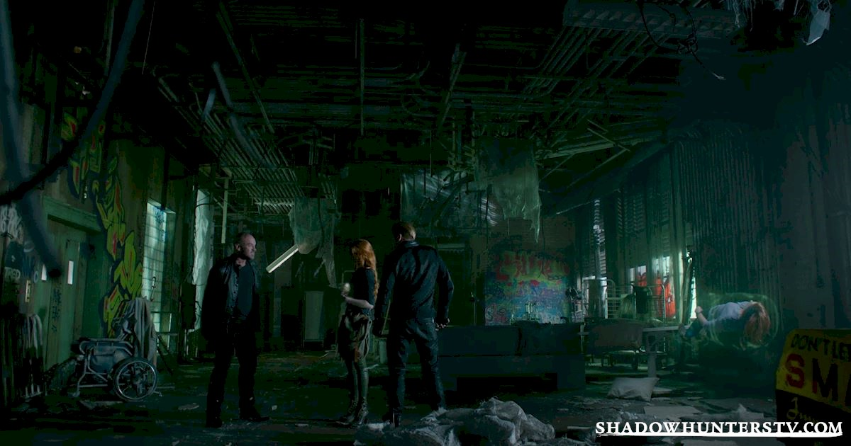 Shadowhunters - 39 Things You Might Have Missed From Episode 11! - 1032