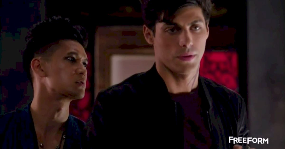 Shadowhunters - Episode 12 Promo: Alec's Wedding Day Choice! - 1005