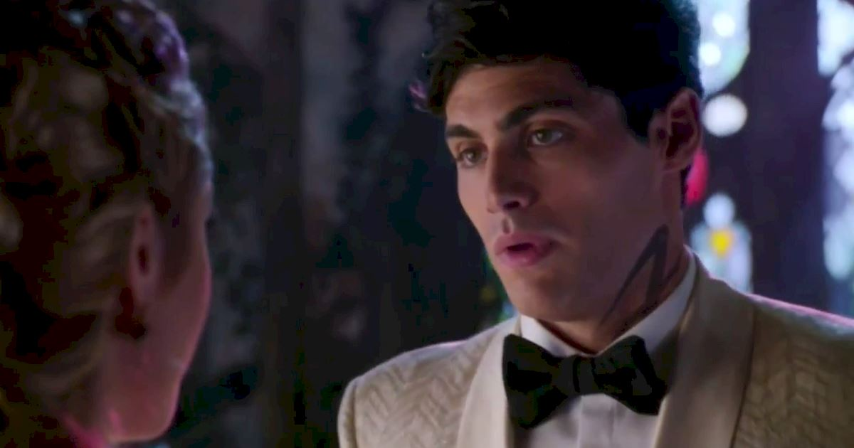 Shadowhunters - Episode 12 Promo: Alec's Wedding Day Choice! - 1006