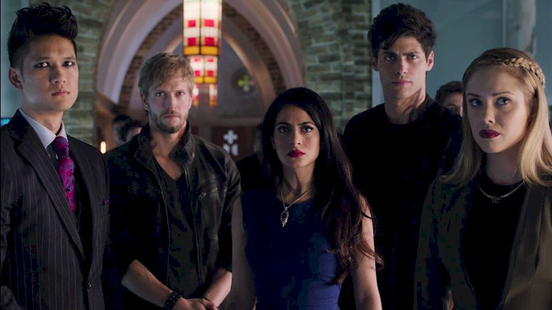 Shadowhunters - 39 Things You Might Have Missed From Episode 11! - Thumb