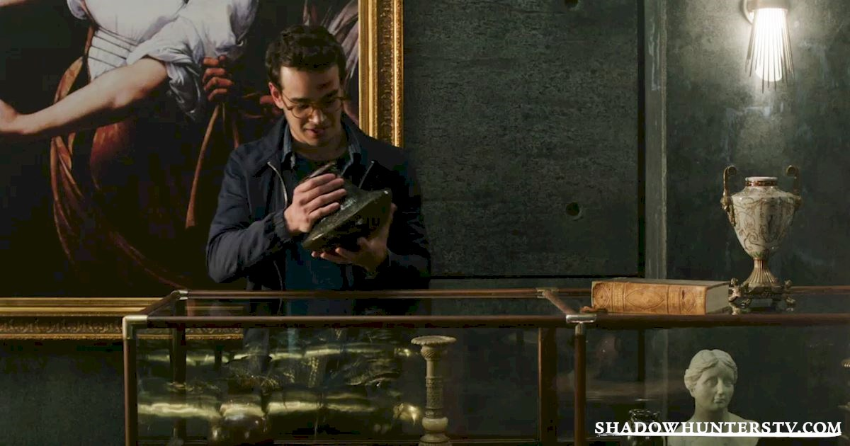 Shadowhunters - #MCM: 20 Times Raphael Was A Hero! - 1009