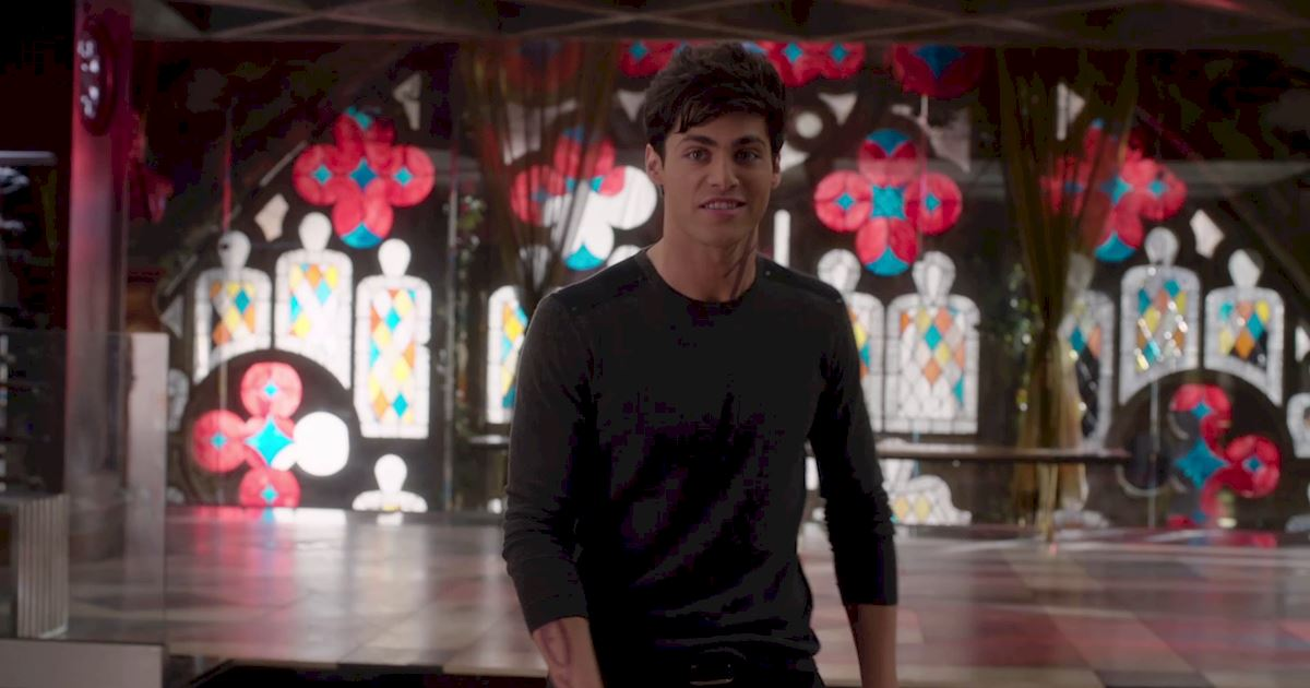 Shadowhunters - Episode 12 Sneak Peek: Will Alec Get His Bachelor Party? - 1008