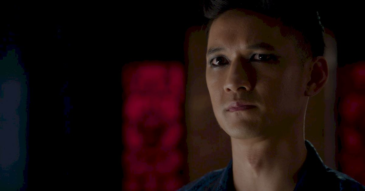 Shadowhunters - A Malecsplosion: The Most Amazing, Magical, Romantic Moments From Episode 12! - 1007