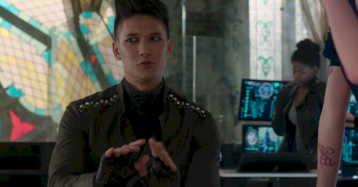 Shadowhunters - A Malecsplosion: The Most Amazing, Magical, Romantic Moments From Episode 12! - 1009